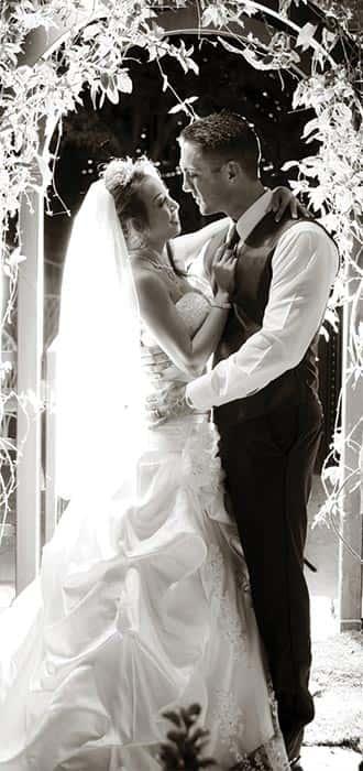 wedding-home-slide-black-and-white-min