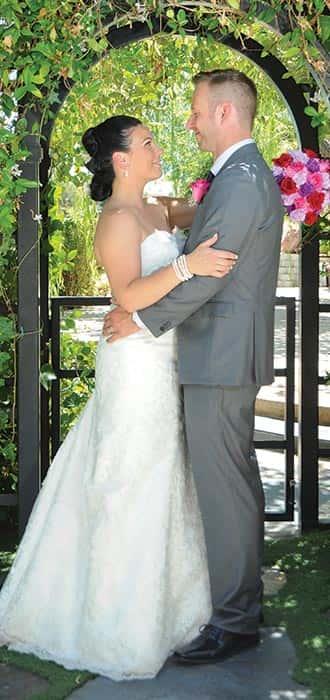wedding-under-alter-home-slide-min