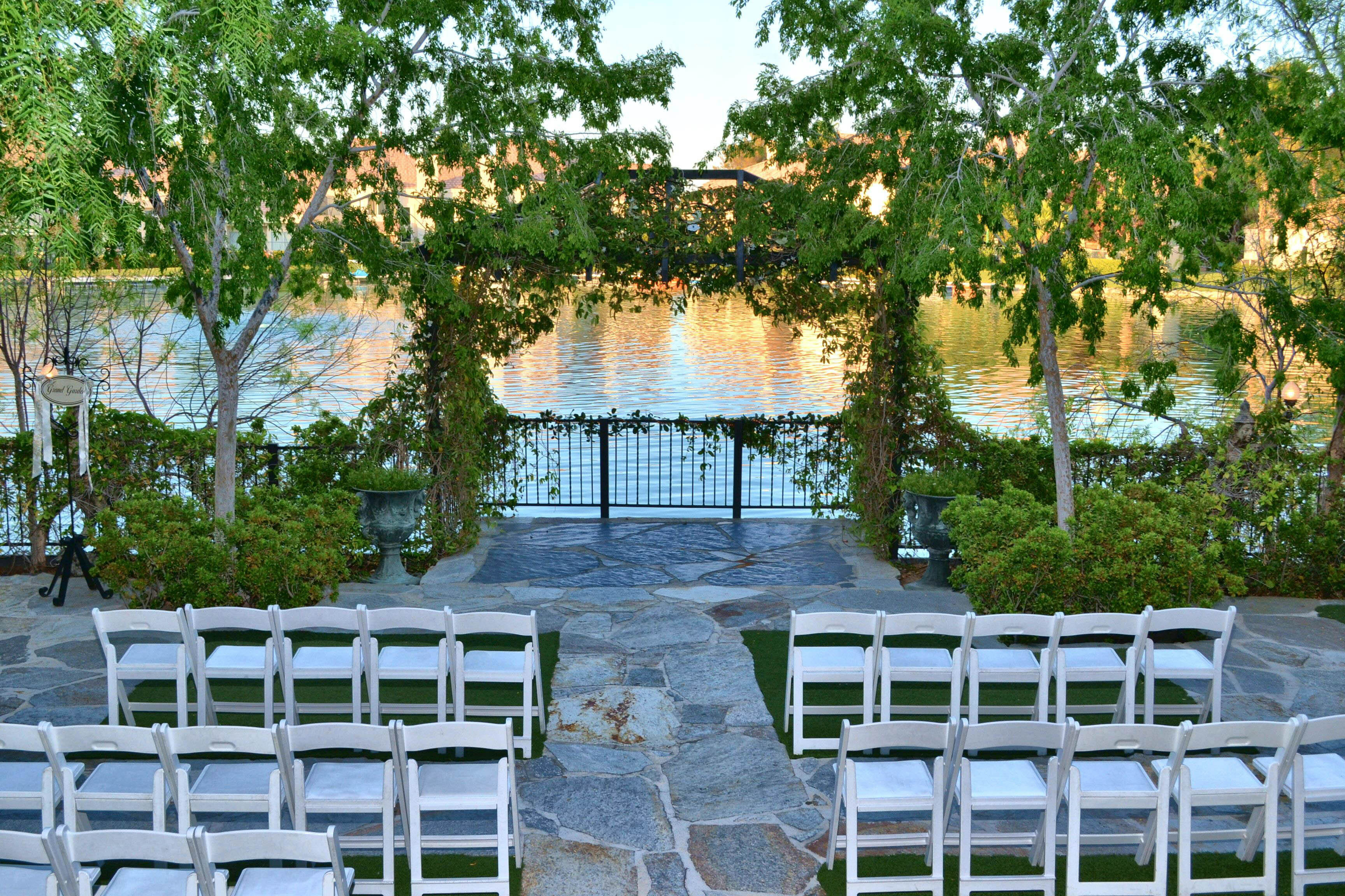 Grand Lakeside Jade All Inclusive Wedding Reception Package