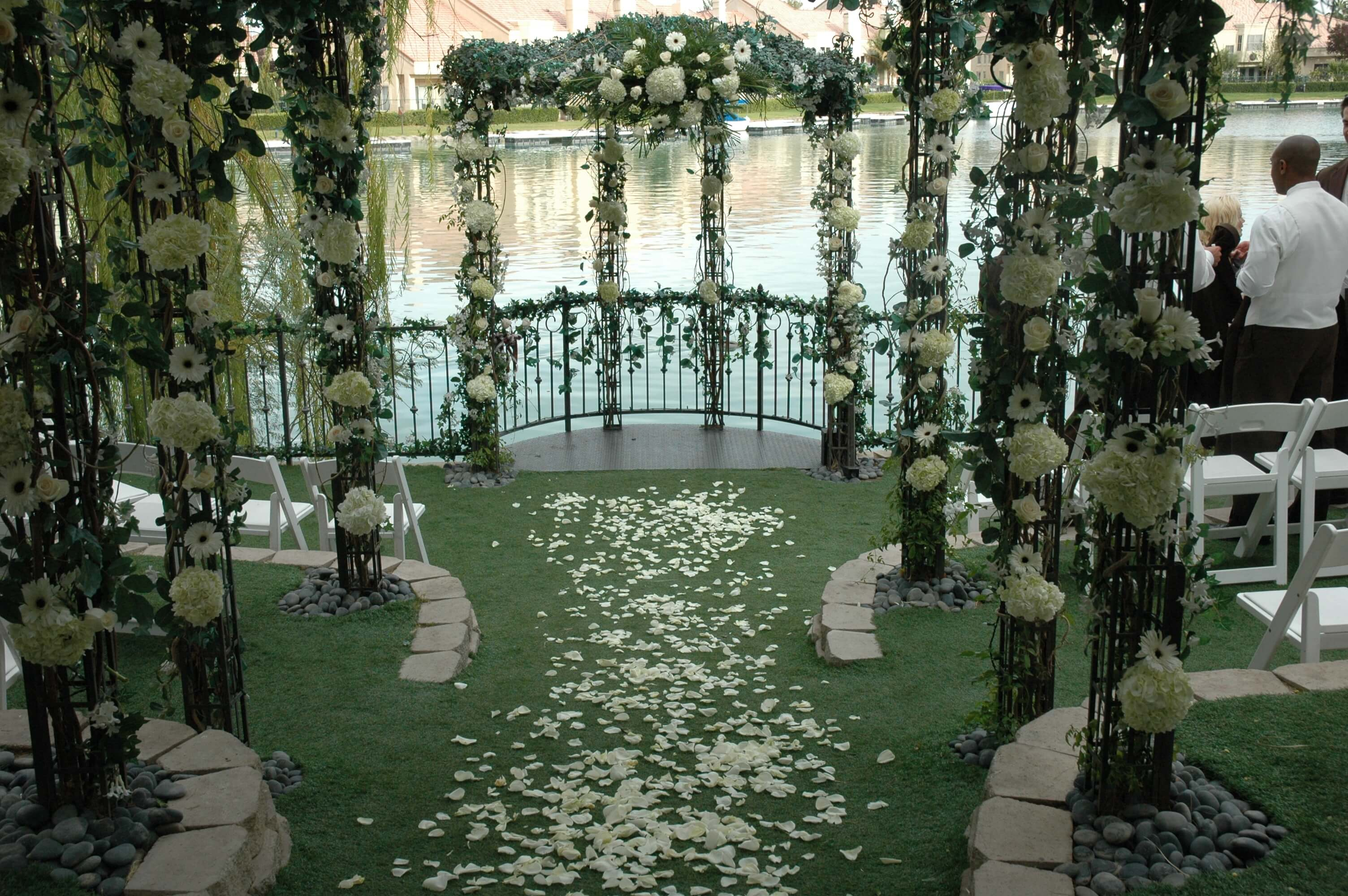 Heritage garden blissful ceremony package up to 10 guests for Outdoor vegas weddings