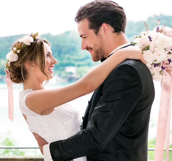 Small Romantic Las Vegas Wedding Ceremony Packages for Two With Lake and Garden Views