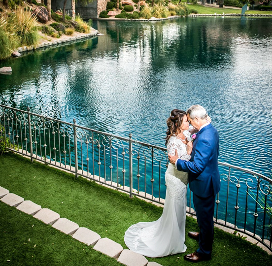 Best Las Vegas Lake Wedding Packages for All Inclusive and Ceremony Near the Vegas Strip