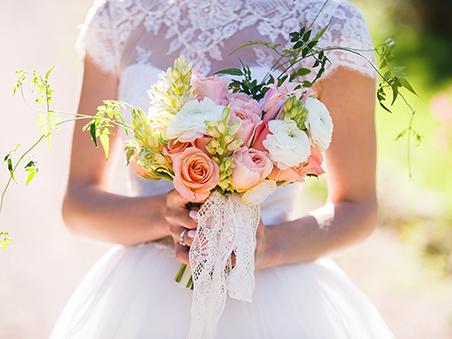 Bridal flower Planning Ideas for Las Vegas Wedding Venue Ceremony Packages