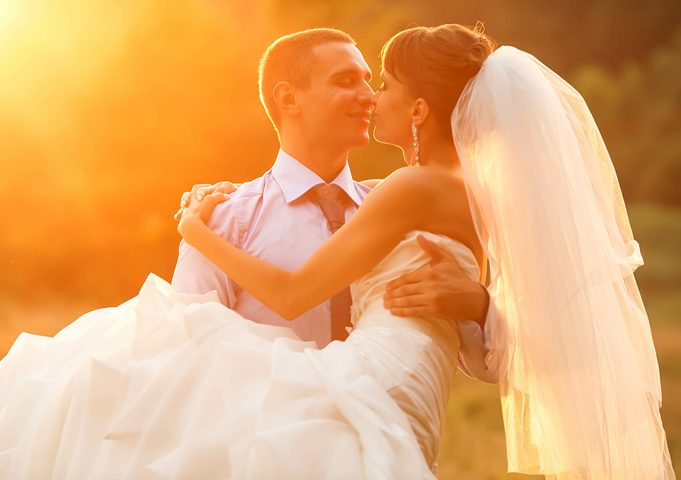 Las Vegas Wedding Venue Packages for Sunset Ceremonies