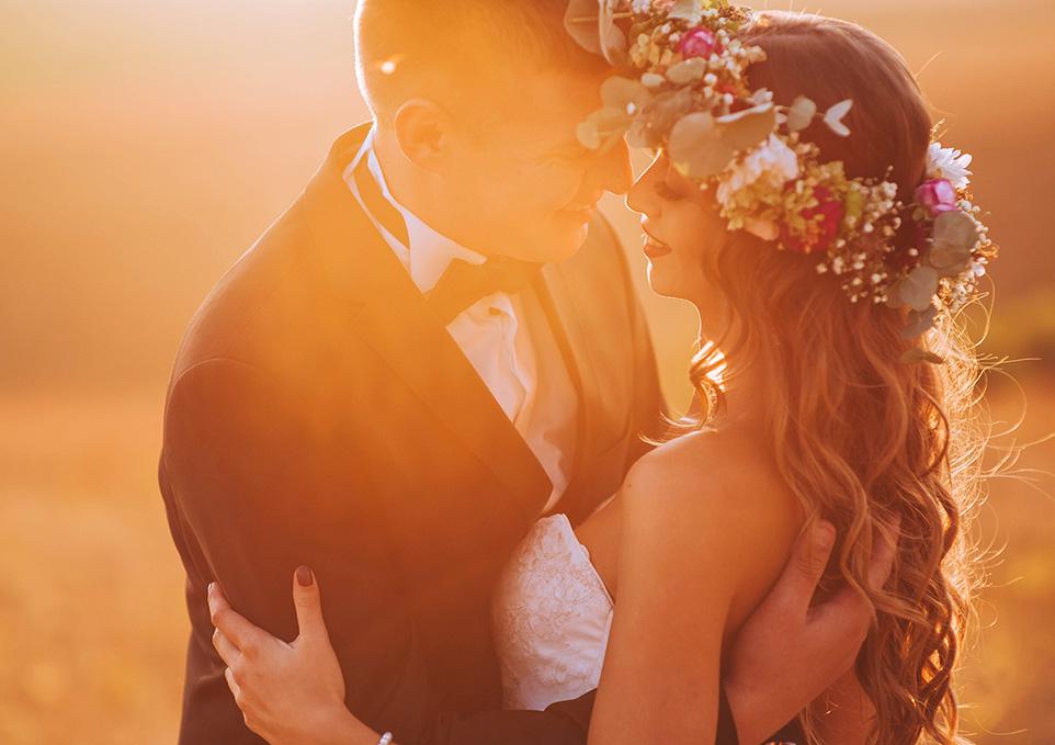 Romantic Lakeside Las Vegas Sunset Wedding Ceremony Venue Packages Near the Vegas Strip