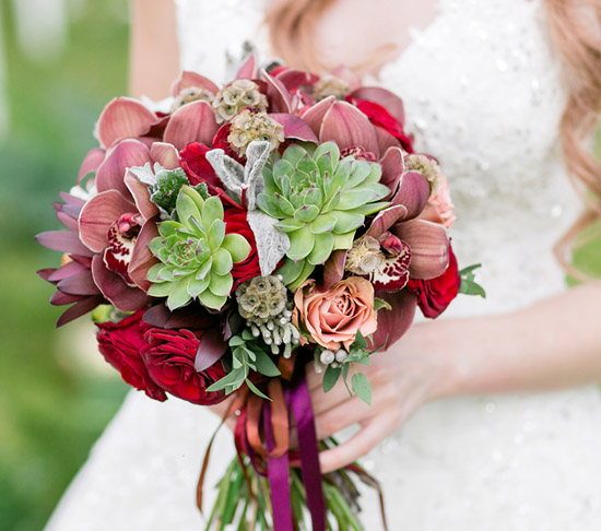 Which Flowers are Best for a Las Vegas Wedding Ceremony and Reception Package
